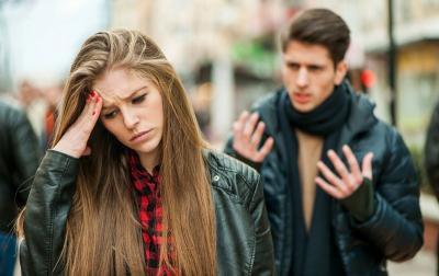 Viral! Cewek-Cewek Ini Kompak Bikin Daftar Cowok Toxic buat Peringatan