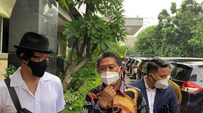 Denny Sumargo Jalani Pemeriksaan Kasus Penggelapan Dana Mantan Manajer