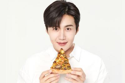 Brand Pizza Tarik Iklan Kim Seon Ho dari YouTube dan Media Sosial