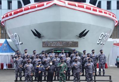 Panglima TNI Terima Brevet Kehormatan Hidro-Oseanografi TNI AL