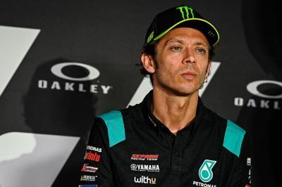 Valentino Rossi Pensiun dari MotoGP, Francesco Bagnaia: Sangat Sulit Diterima