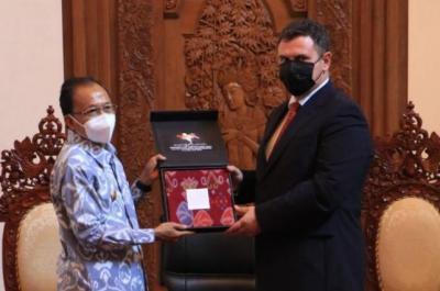 Di Hadapan Dubes Rumania, Gubernur Koster Pamer Keberhasilan Bali Tekan Covid-19 hingga Buka Pariwisata