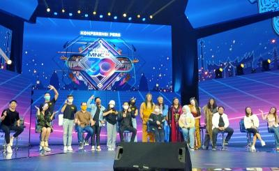 Perdana di Indonesia, Ayu Ting Ting Duet dengan Tokoh Animasi di Malam Puncak Kilau Raya MNCTV 30
