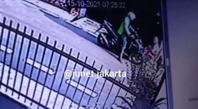 Berseragam Ojol, Jambret Rampas Dompet Lansia di Gambir