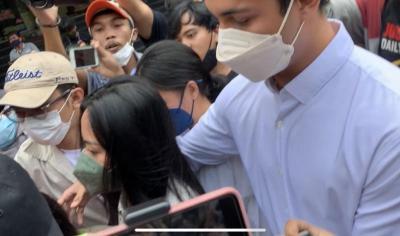 Rachel Vennya dan Salim Nauderer Bawa Rombongan Datangi Kantor Polisi