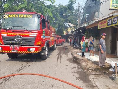 Tabung Gas Meledak, Warkop di Bekasi Terbakar