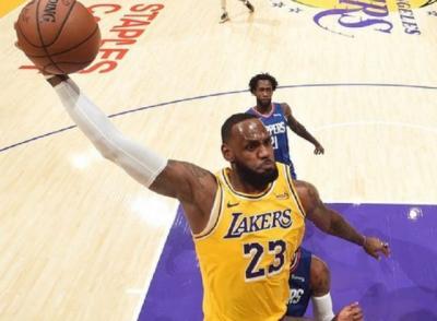5 Bola Basket Termahal di Dunia