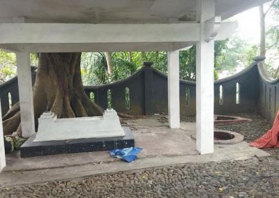 Misteri Makam Tak Bernisan Dekat Kantor Balai Kota Malang, Siapa Pemiliknya?