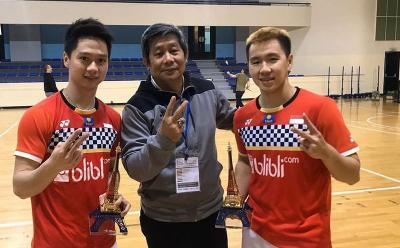 6 Tampilan Cool Herry IP si Naga Api, Pelatih Ganda Putra Andalan Indonesia