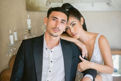 Resmi Menikah, Vincent Verhaag Cium Mesra Bibir Jessica Iskandar