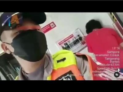 Ditegur karena Tak Pakai Masker, Wanita Tua Pukuli dan Ludahi Petugas Kereta Api