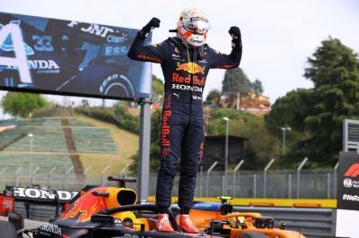 Gusur Lewis Hamilton, Max Verstappen Jadi Pembalap F1 Paling Populer