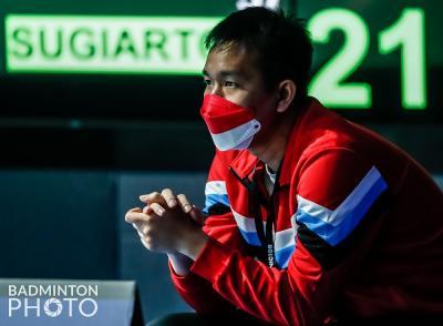 Jadi Pelatih Tommy Sugiarto di Denmark Open 2021, Hendra Setiawan Curi Perhatian