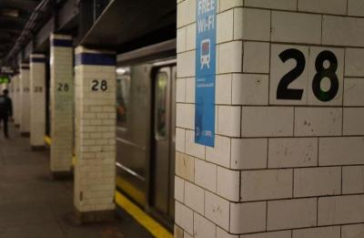 Sadis! Pria Dihantam Botol Kaca di Stasiun Kereta hingga Menderita 12 Jahitan