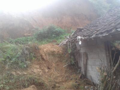 Longsor di Kabupaten Banjarnegara, Dua Keluarga Terluka