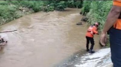 Bocah 9 Tahun Hilang Terseret Arus Kali Angke di Tangsel