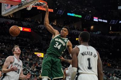 Hasil NBA 2021-2022 Hari ini: Milwaukee Bucks Kalahkan San Antonio Spurs, LA Clippers Keok dari Grizzlies