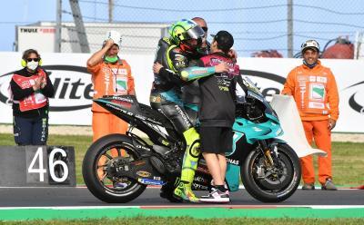 MotoGP Emilia Romagna 2021 Selesai, Intip Momen Haru Perpisahan Valentino Rossi