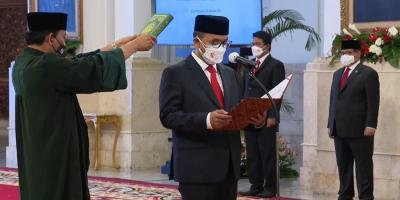 Dilantik Jokowi, Ivan Yustiavandana Resmi Jadi Kepala PPATK