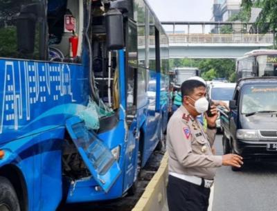 Tabrakan Dua Bus TransJakarta di MT Haryono, 3 Tewas 31 Terluka
