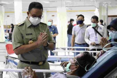 Sambangi RS Budhi Asih, Anies: Seluruh Biaya Korban Kecelakaan Ditanggung Transjakarta