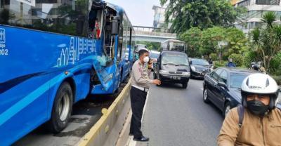 Transjakarta Jamin Korban Kecelakaan Dapat Perawatan Maksimal