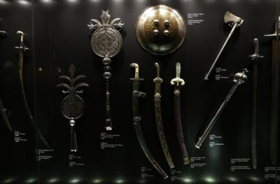 Senjata Warisan Kekaisaran Ottoman Direstorasi, Ada Pedang Emas hingga Tombak