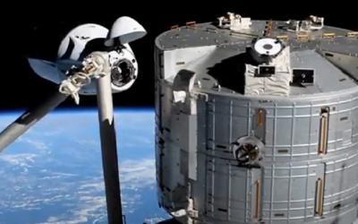Space Adventures Batalkan Penerbangan Turis Luar Angkasa