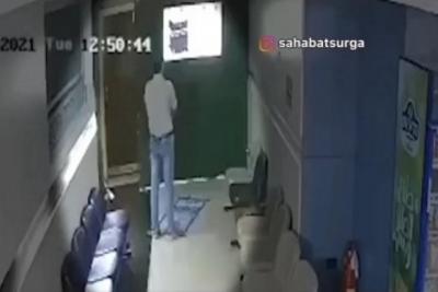 Viral Pria Meninggal ketika Sujud Sholat, Netizen: Semoga Husnulkhatimah