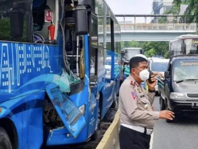 Polisi Visum Sopir TransJakarta Tabrakan, Nihil Zat Adiktif dan Psikotropika