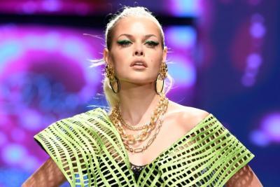 Sukses Tampil di LA Fashion Week, Diana Couture Ungkap Inspirasi Koleksi Cyber Couture
