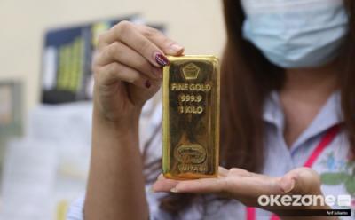 Turun Goceng, Emas Antam Hari Ini Dijual Rp929 Ribu Gram