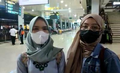 Para Penumpang Pesawat Protes Aturan Wajib PCR