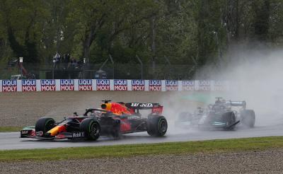Max Verstappen Jauhi Lewis Hamilton di Klasemen Sementara F1, Bos Mercedes Tak Khawatir