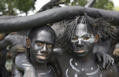 Cara Unik Suku Sambia Buktikan Kedewasaan Lelaki, Minum Sperma Melalui Oral Seks