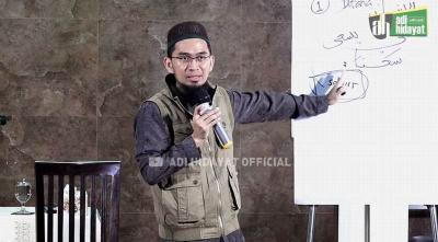 Tips Ustadz Adi Hidayat Membimbing Anak Menjadi Penghafal Alquran