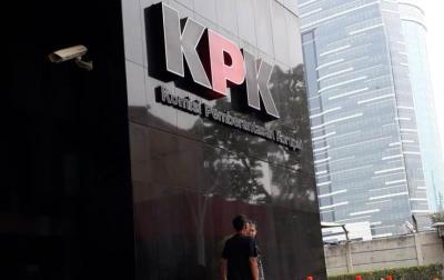 KPK Bidik Mantan Anggota DPRD Terkait Aliran Suap RAPBD Riau
