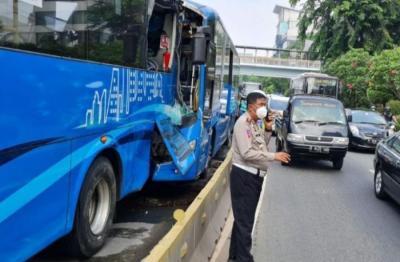 Kasus Kecelakaan Bus Transjakarta, 11 Orang Diperiksa