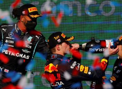Kalahkan Lewis Hamilton di F1 GP AS 2021, Bos Red Bull Racing Yakin Max Verstappen Bisa Jadi Juara Dunia