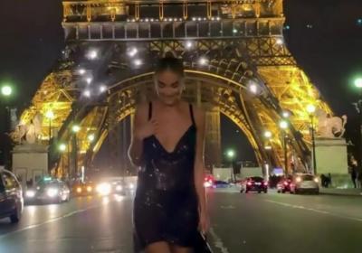 Duh! Pamer Foto Depan Menara Eiffel, Wanita Ini Dituding Sebar Foto Editan