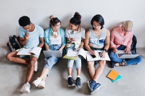 Tak Perlu Repot! Penerimaan Mahasiswa Baru di Gunadarma Bisa Dilakukan Cuma dari Handphone