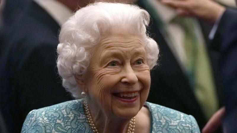 Ratu Elizabeth Menginap di RS Semalam, Kembali ke Istana Keesokan Harinya