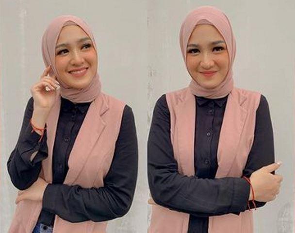 6 OOTD Hijab Remaja ala Cut Syifa, Fresh dan Cantik Banget